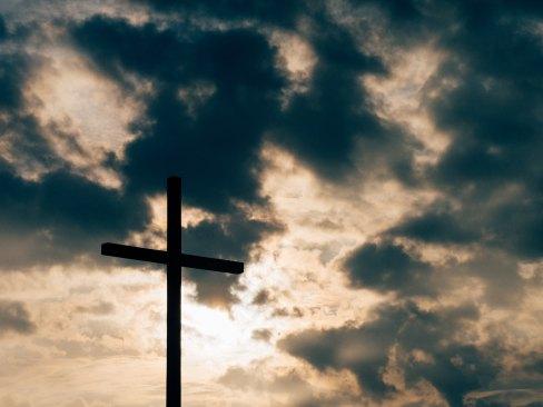 cross: cloud aaron-burden-21616-unsplash.jpg